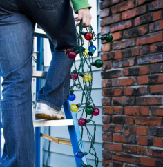christmas-lights-ladder-newsome-sprinklers